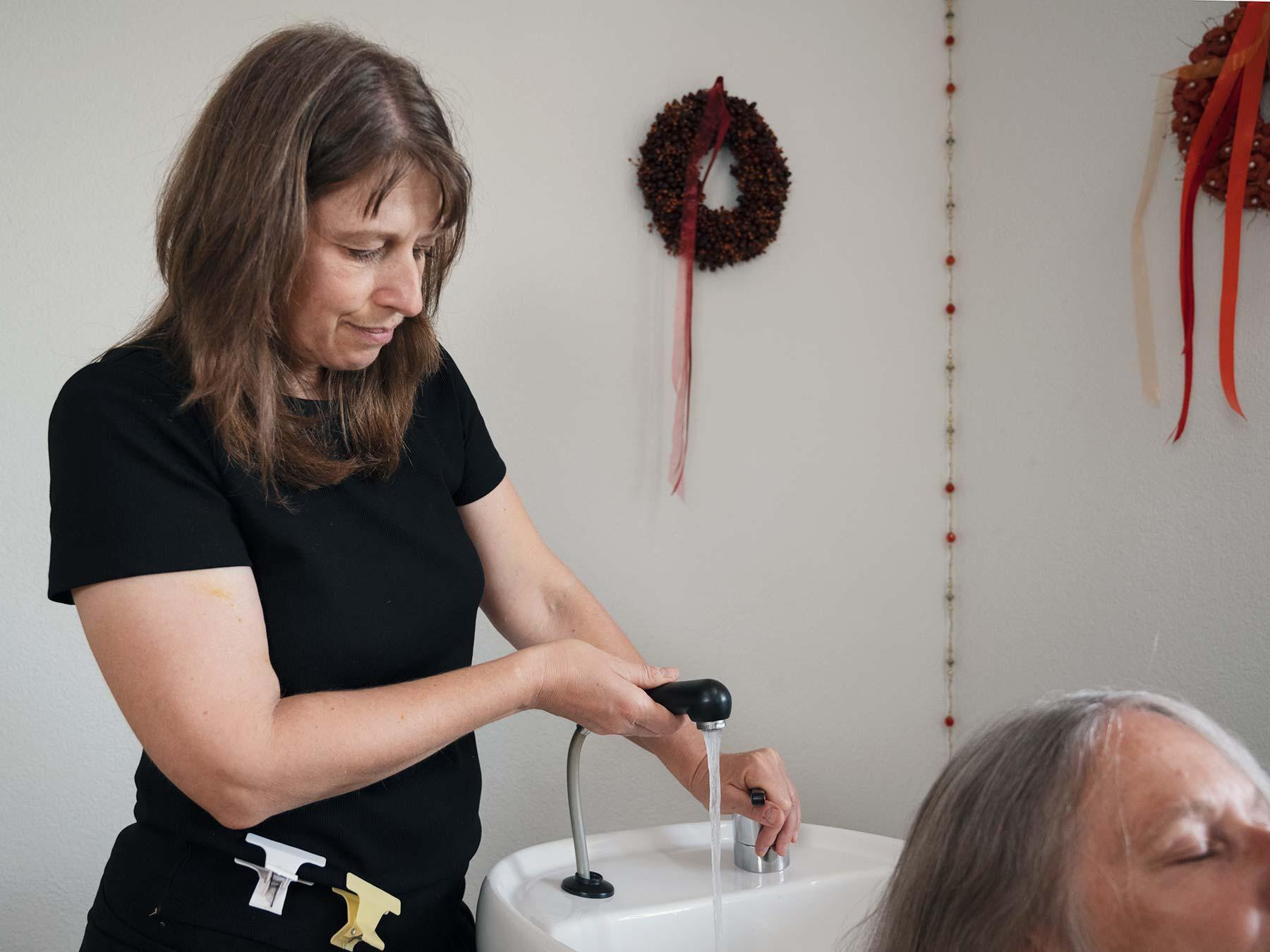 Judith Fernandez an der Arbeit - Hair-Impulsing® in Brugg